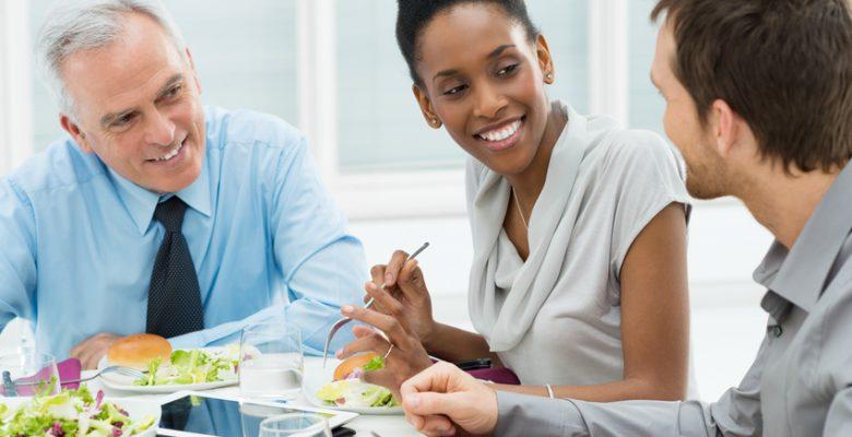 Organiser un repas d'entreprise : les clés de la réussite