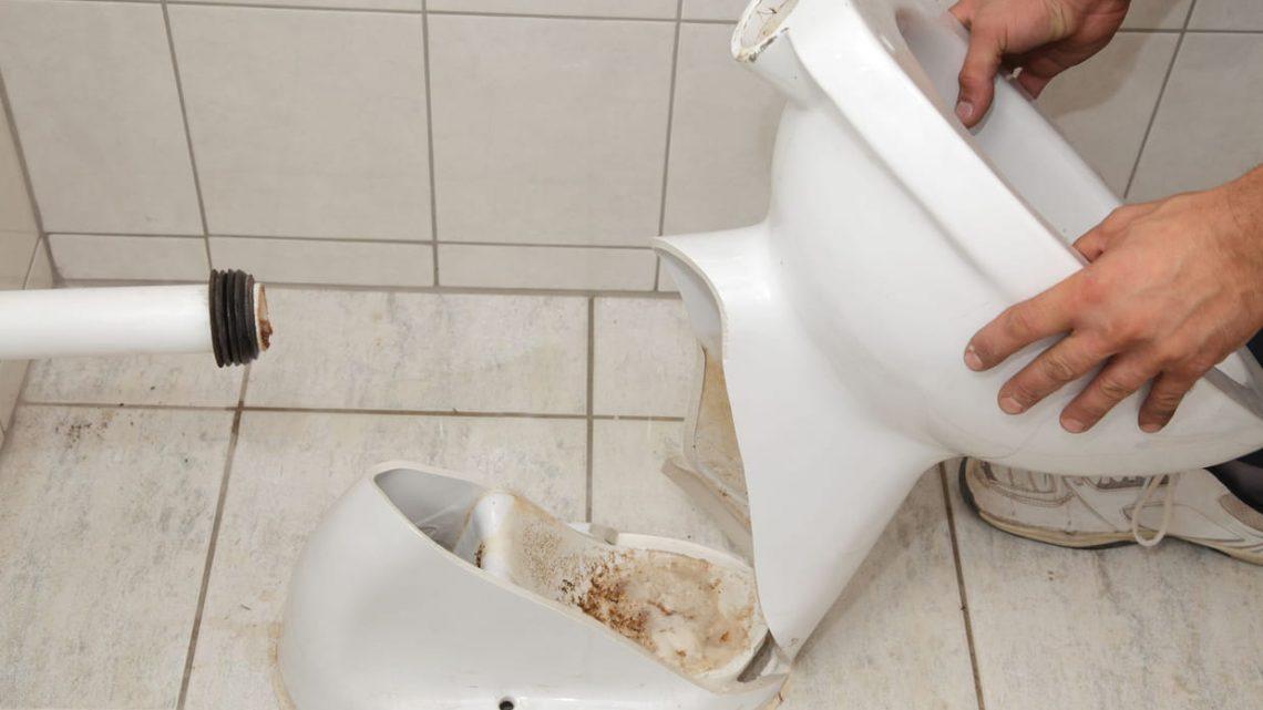 Comment changer un WC avec une évacuation horizontale ?